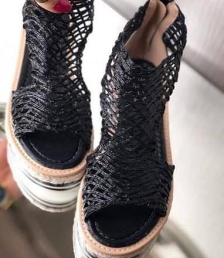 Czarne sandały na platformie 1
