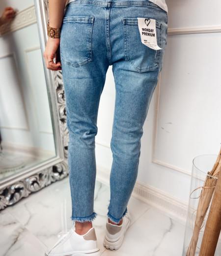 jeansy boyfriend z przetarciami CLEO 4